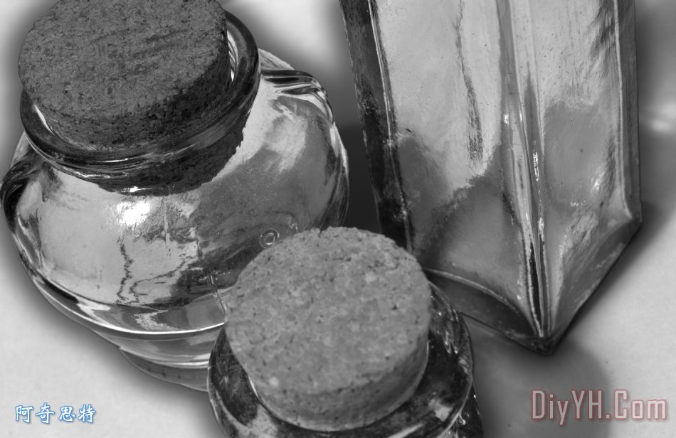 酒塞瓶装饰画 静物 玻璃 黑白 酒塞瓶油画定制 阿奇思特